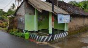 Penempatan Tempat Sampah Di Pos Kamling Tilaman KKN UMBY